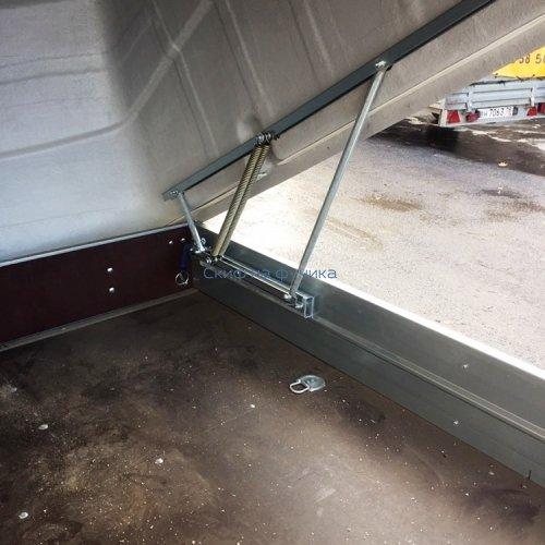 Прицеп ЛАВ 81012 Вектор с пластиковой крышкой
