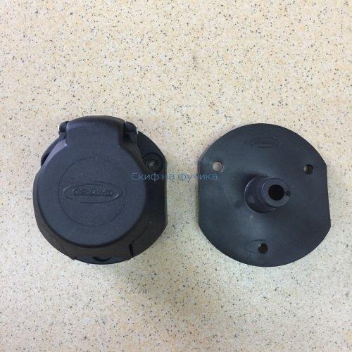 Розетка 7 контактов пластик